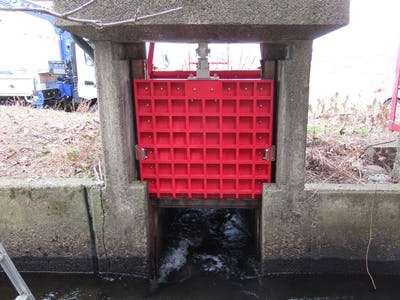 水門ゲートにFRPグレーチングを使用した事例